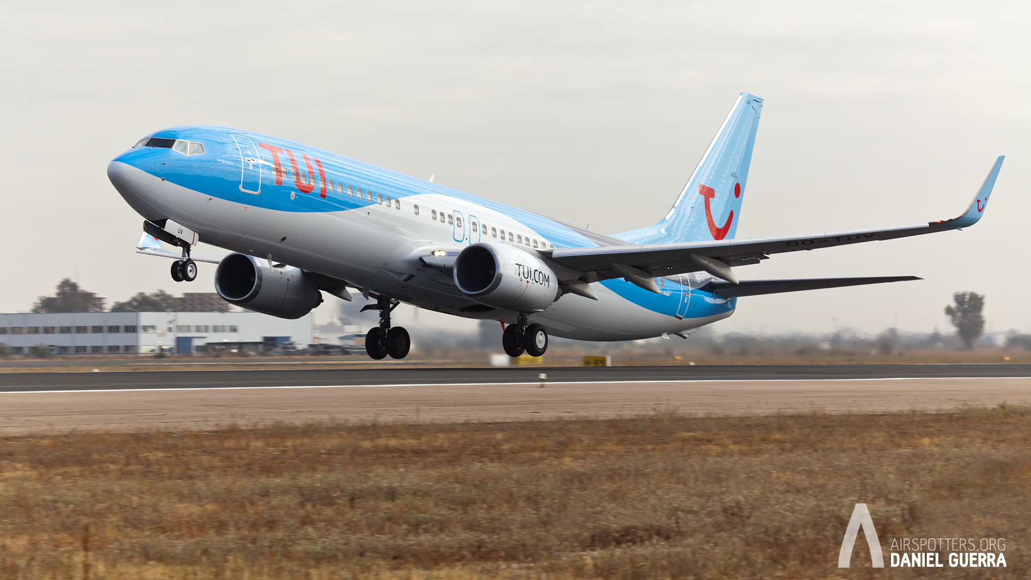 Spotting Day Sevilla. 737 Tui