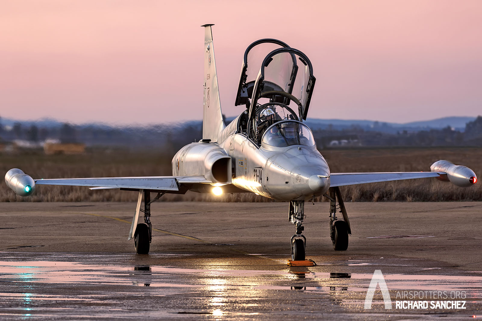 Airspotters. Ala 23. F-5